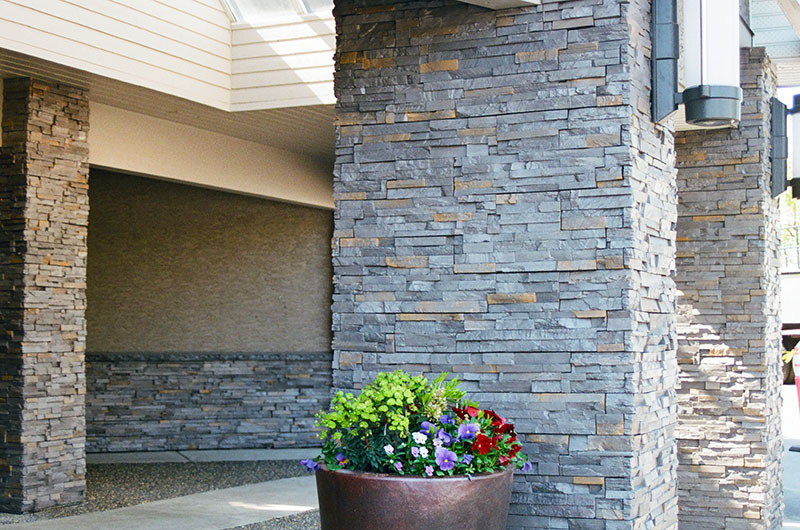 Design Stucco – Western Entrance, Surrey, BC